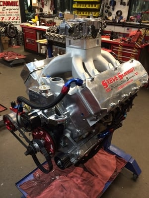 James & Barbara Slayer's 500ci 9 degree head mini rod Engine !!